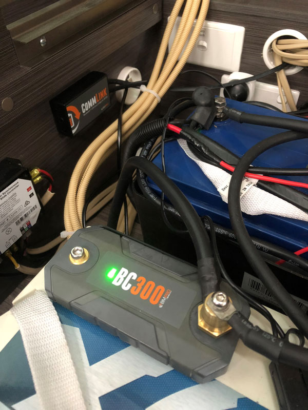 BC300 installed on the battery for correct readings of high current devices